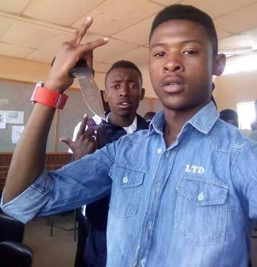 17-year-old student stabs teacher