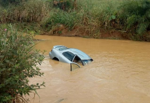 6 Jehovah Witnesses drown after car submerged in flood waters