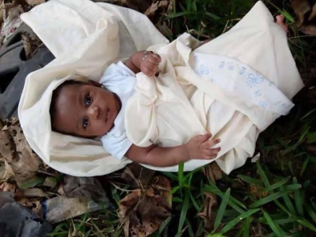 Abandoned baby inside bush
