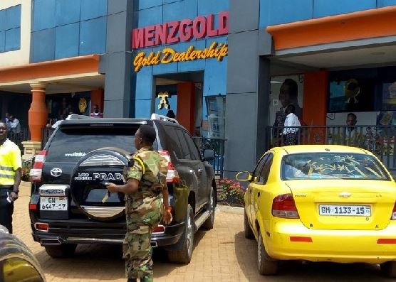 Aggrieved Menzgold customers to chase Shatta Wale and co for their investment if