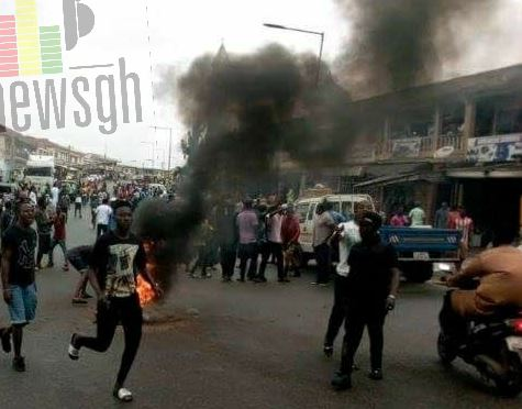 Angry Zongo Youth set Asawase Police Station on fire over