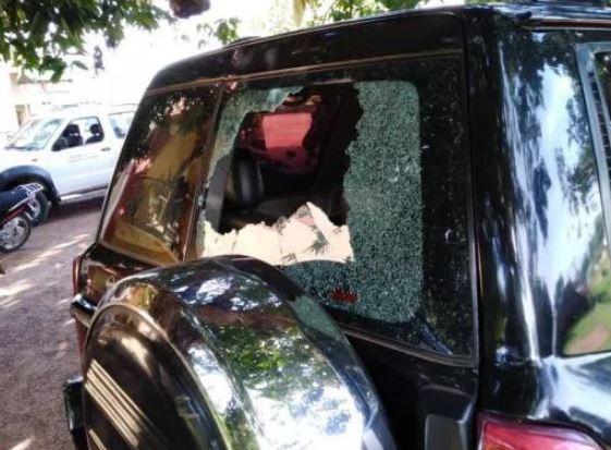 Atebubu-Amantin MCE escapes lynching vehicles vandalized airnewsonline