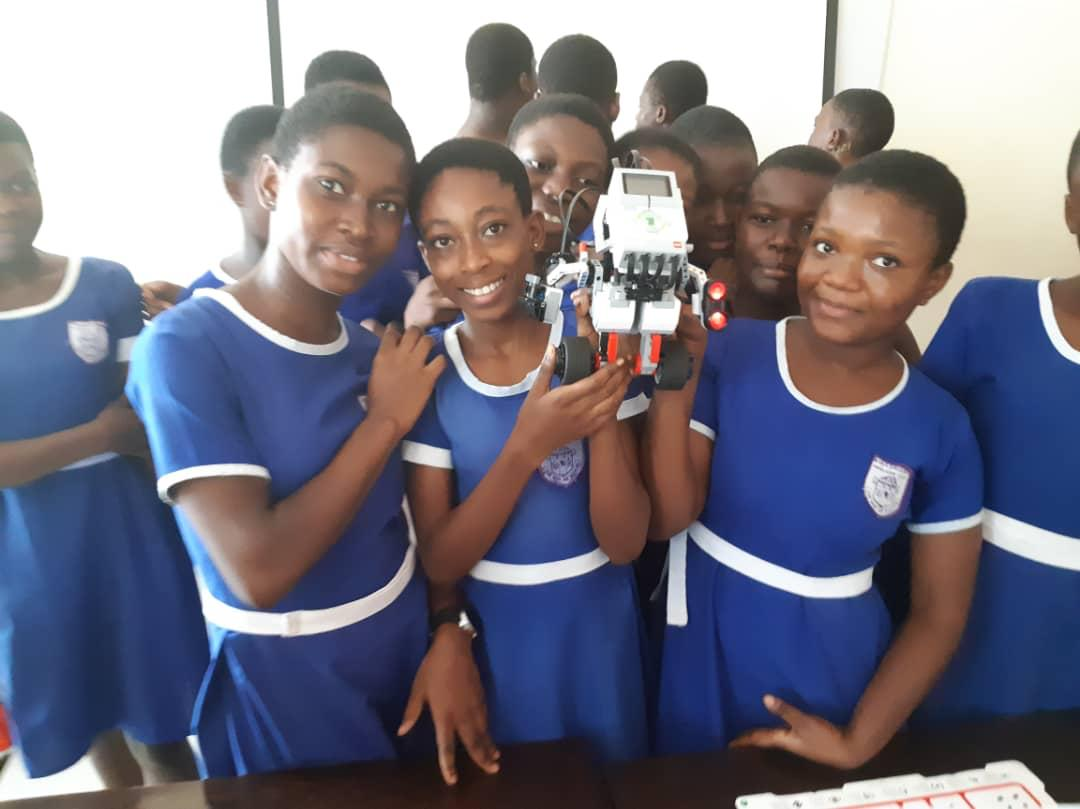 Dream 4 Her Foundation organizes Robotic Boot camp for Form 3 girls of Kwashieman Anglican JHS | Airnewsonline