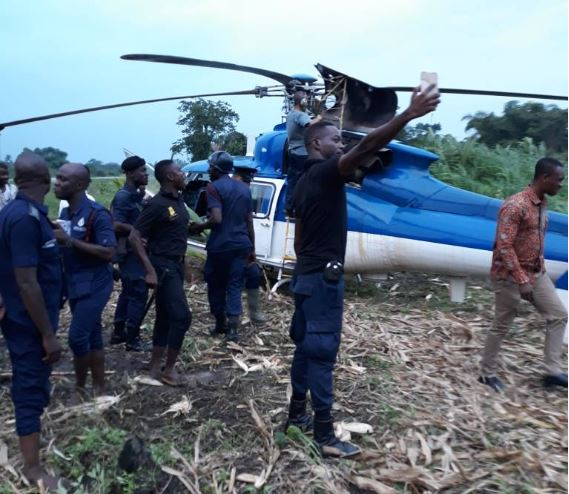 Helicopter carrying gold bars forced to land