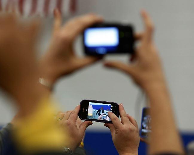 Judicial Service bans phones