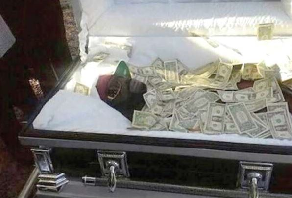 Man buried with Sh 6 million to bribe God on Judgment Day