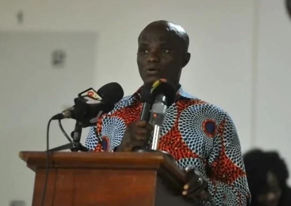 Minister runs for his life as angry youth threaten to beat him up Kingsley Ato Cudjoe