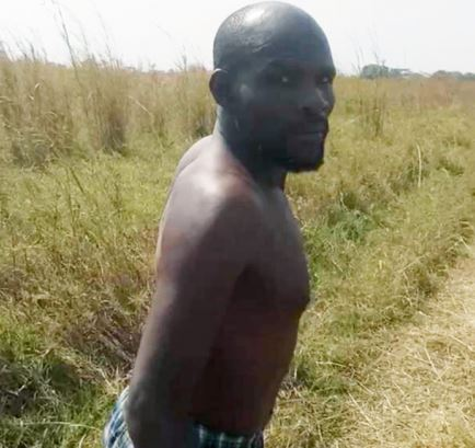 Pastor caught b0nking married church member in the bush