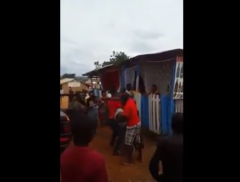 Police officer brutalises carpenter at Tepa