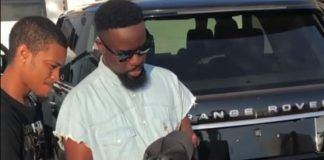 "Sarkodie buys a Range Rover Vogue to reply Shatta Wale's ""Advice"" Benz"