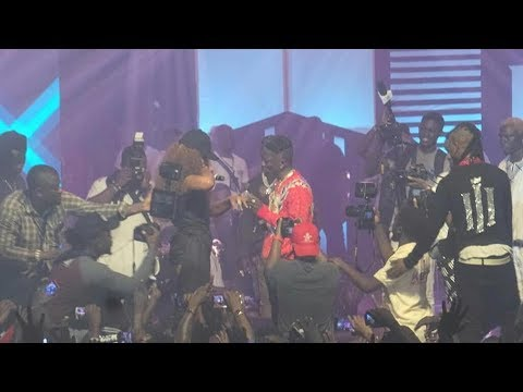 Shatta Wale finally proposed marriage to Shatta Michy on stage